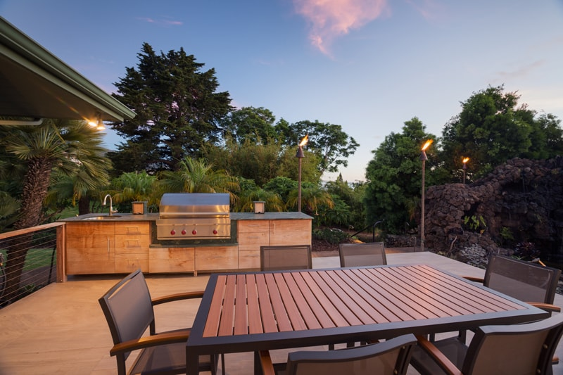 outdoor kitchen in los angeles